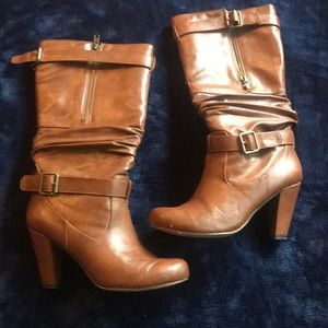 Caramel leather under the knee boots